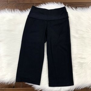 Lululemon Sz 2 Black Astro Crop Loose Fit Leggings